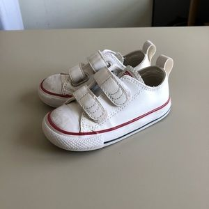 Converse leather Velcro all stars sz 6 toddler